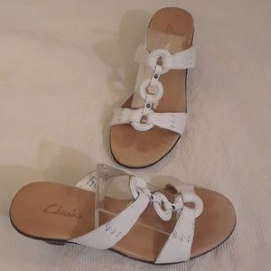 Clarks White Leather Sandals - Size 6M